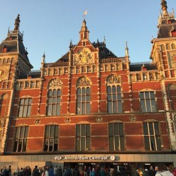Spring trip to Amsterdam + Keukenhof Park (EN)
